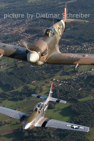 2012-08-17 G-MKVB / BM597 Spitfire / PH-VAD P51