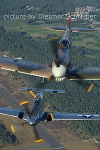 2012-08-17 G-MKVB Spitfire / PH-VDF P51 Mustang
