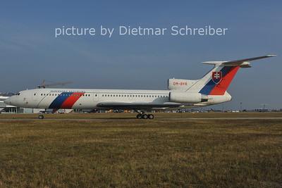 2011-10-05 OM-BYR Tupolev 154 Slovak Government