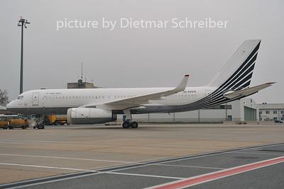 2011-11-23 RA-64010 Tupolev 204