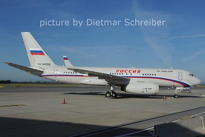 2012-09-10 RA-64058 Tupolev 204 Russian Government