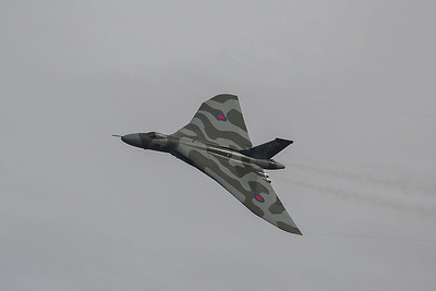 The crew brought XH558 round for a second and closer pass.  I have changed lens to put the bigger one on.