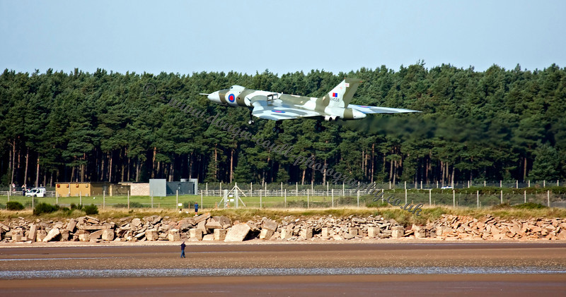 Vulcan on Final Approach to Leuchars