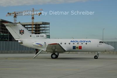 2006-11-15 ER-YGD Yakovlev 40 Moldova