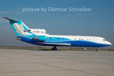 2010-10-29 RA-42387 Yakovlev 42