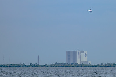 USAF Thunderbird F-16 Doing a Flyby Over the VAB