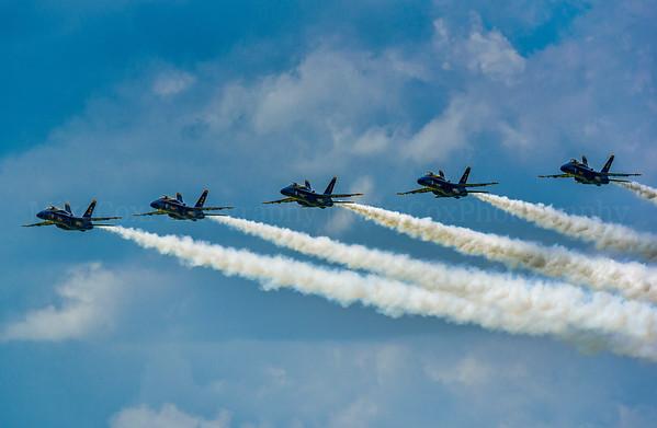Blue Angels 5 Wide