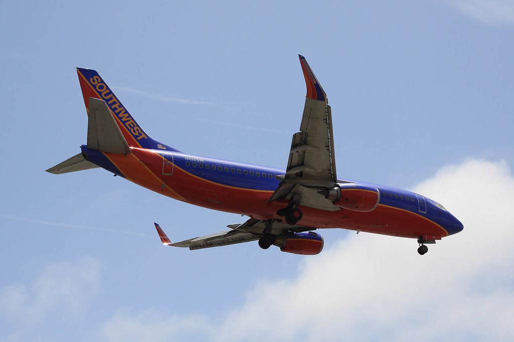 Southwest B737 landing at LAX