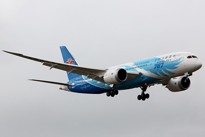 China Southern Dreamliner Boeing 787-8 Dreamliner,B-2732