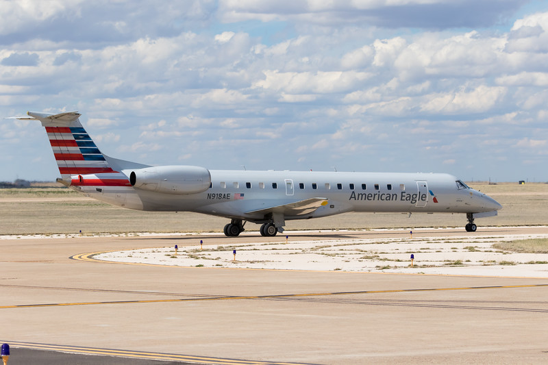 -(Aircraft) Embraer ERJ-145 <br /> -(Airline) American Eagle (Operated by Envoy Air)