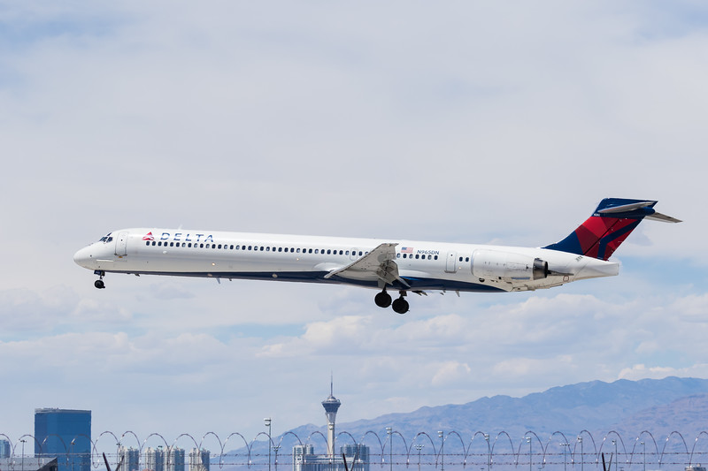 -(Airline) Delta Airlines<br /> -(Aircraft) McDonnell Douglas MD-90-30<br /> -(Aircraft Registration) N965DN<br /> -(Flight Number) Delta 1497<br /> -(Flight Route) Minneapolis–Saint Paul International Airport, MN to McCarran International Airport, NV
