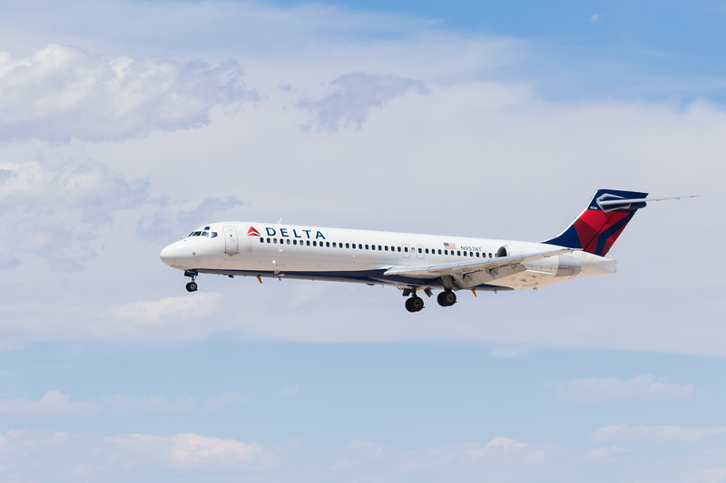 -(Airline) Delta Airlines<br /> -(Aircraft) Boeing 717-200 <br /> -(Aircraft Registration) N957AT<br /> -(Flight Number) Delta 2794<br /> -(Flight Route) Seattle-Tacoma International Airport, WA to McCarran International Airport, NV