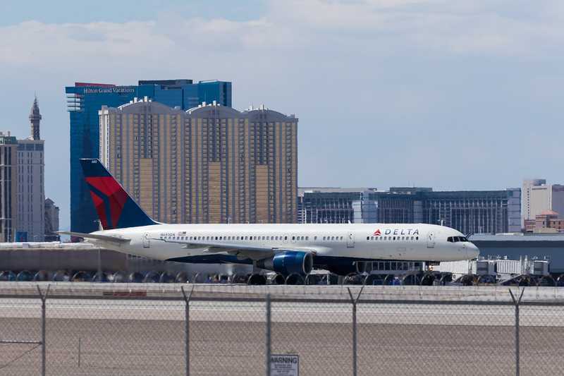 -(Airline) Delta Air Lines<br /> -(Aircraft) Boeing 757-200<br /> -(Aircraft Registration) N680DA<br /> -(Flight Number) Delta 1512<br /> -(Flight Route) McCarran International Airport, NV to John F. Kennedy International Airport, NY