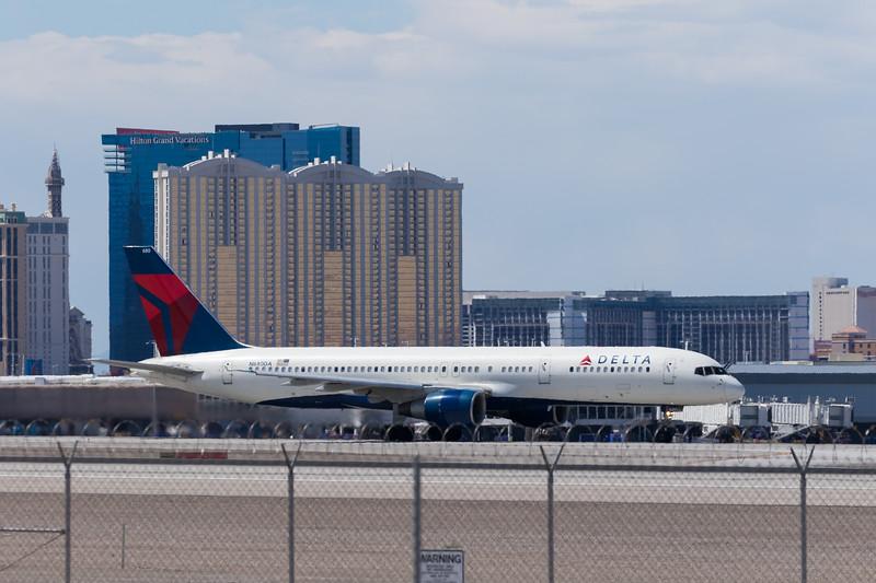 -(Airline) Delta Air Lines<br /> -(Aircraft) Boeing 757-200<br /> -(Aircraft Registration) N680DA<br /> -(Flight Number) Delta 1512<br /> -(Flight Route) McCarran International Airport, NV to John F. Kennedy International Airport, NY
