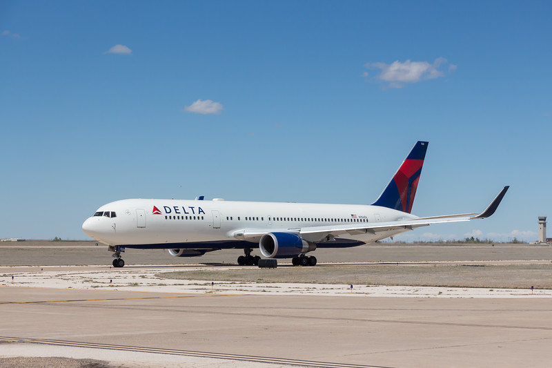 -(Aircraft) Boeing 767-300ER<br /> -(Airline) Delta Airlines