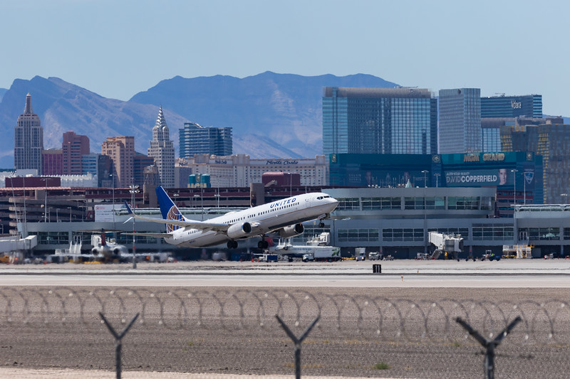 -(Aircraft) United Airlines<br /> -(Aircraft) Boeing 737-900ER<br /> -(Aircraft Registration) N37420<br /> -(Flight Number) United 899<br /> -(Flight Route) McCarran International Airport, NV to Newark Liberty International Airport, NJ