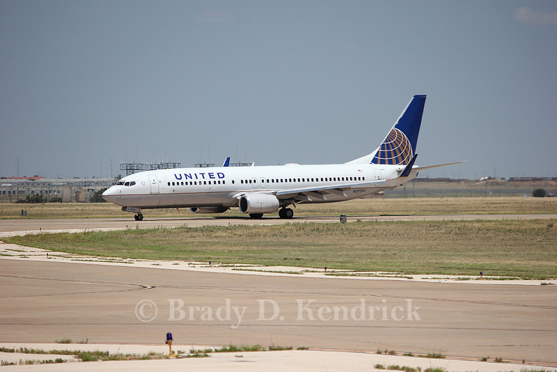 Airline:  United Airlines<br /> <br /> Aircraft:  Boeing 737-800<br /> <br /> Photo Location:  Rick Husband Amarillo International Airport