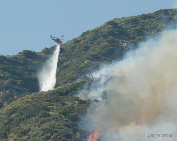 LA City Fire 3 helicopter attacks the left flank of the Brush Fire in Sierra Madre, March 26, 2008.