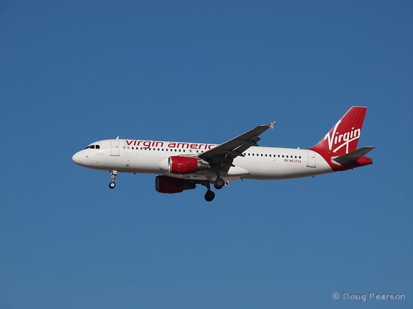 Virgin America N632VA, an Airbus 320-214, landing at Las Vegas