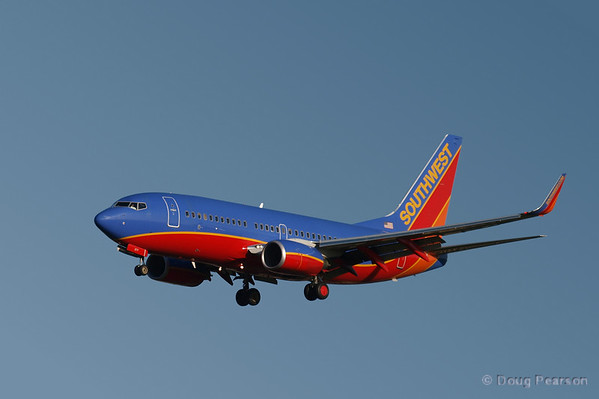 A Southwest 737 getting ready to land at Bob Hope Airport