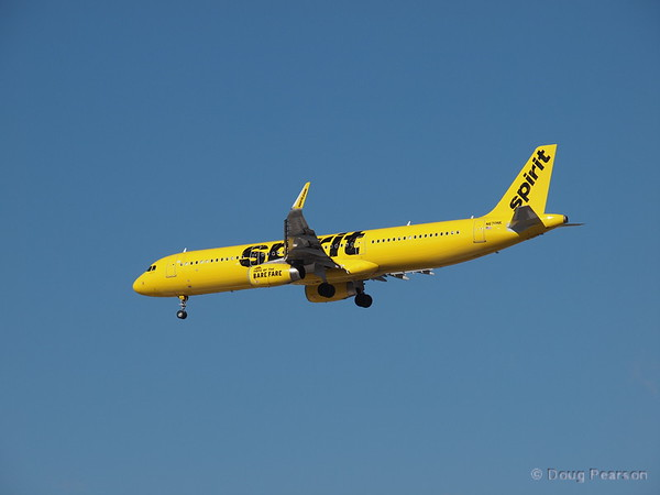 Spirit Airlines, N670NK, an AirBus A321-231