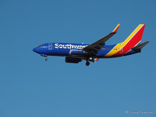 Southwest N758SW, a Boeing 737-7H4 at KLAS.