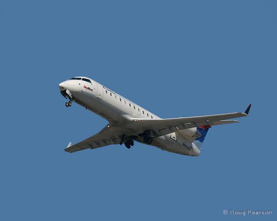 N416SW a Delta Connection / Skywest Canadair CL-600-2B19