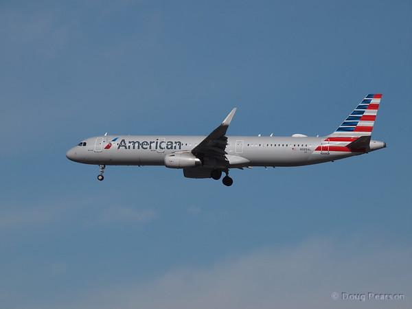 American, N98AL, an AirBus A321-231