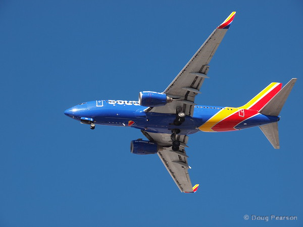 Southwest N734SA, a Boeing 737-7H4 at KLAS
