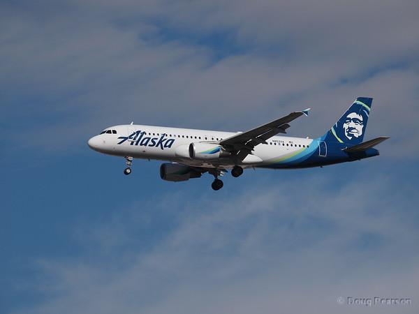 Alaska Airlines, N852VA, an AirBus A320-214
