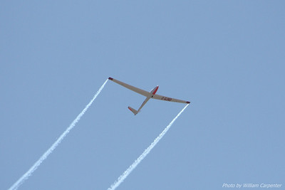 Manfred Radius flies his Saltos sailplane at the 2010 Abbotsford International Air Show.