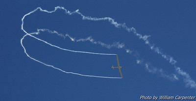 Paul Hajduk flies his aerobatic sailplane routine.