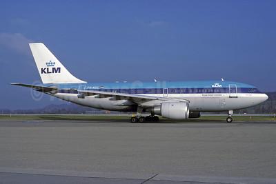 Airline Color Scheme - Introduced 1972