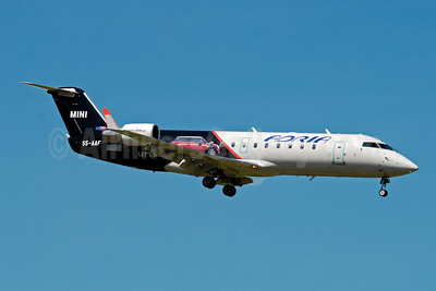 Adria Airways Bombardier CRJ200 (CL-600-2B19) S5-AAF (msn 7272) (Mini Dviga Krila) ZRH (Paul Denton). Image: 909720.
