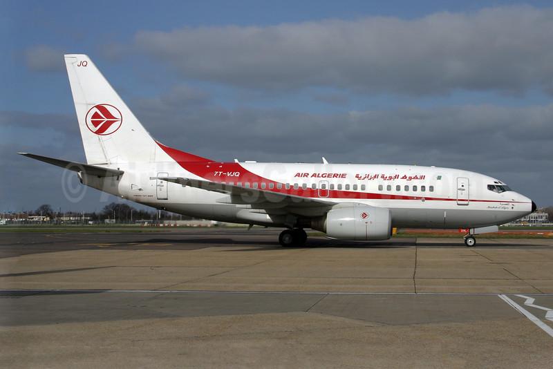 Air Algerie Boeing 737-6D6 7T-VJQ (msn 30209) LHR. Image: 924522.