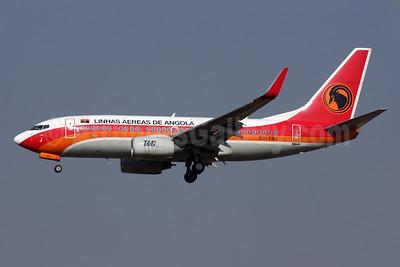 TAAG-Linhas Aereas de Angola (TAAG Angola Airlines) Boeing 737-7M2 WL D2-TBJ (msn 34562) JNB (Antony J. Best). Image: 930667.