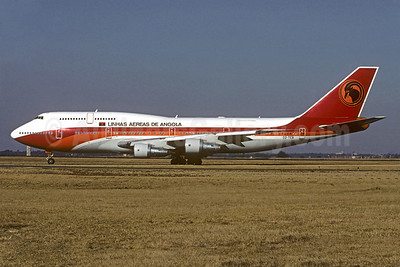 Linhas Aereas de Angola (TAAG) Boeing 747-357 D2-TEB (msn 23751) JNB (Christian Volpati Collection). Image: 933704.