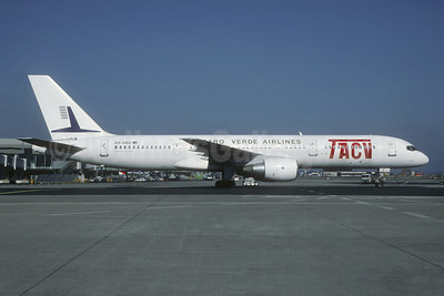 TACV-Cabo Verde Airlines Boeing 757-2Q8 D4-CBG (msn 27599) CDG (Christian Volpati Collection). Image: 944569.