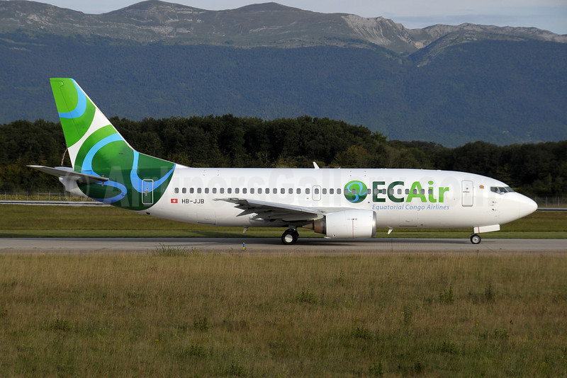ECAir-Equatorial Congo Airlines (PrivatAir) Boeing 737-306 HB-JJB (msn 27421) GVA (Paul Denton). Image: 907162.