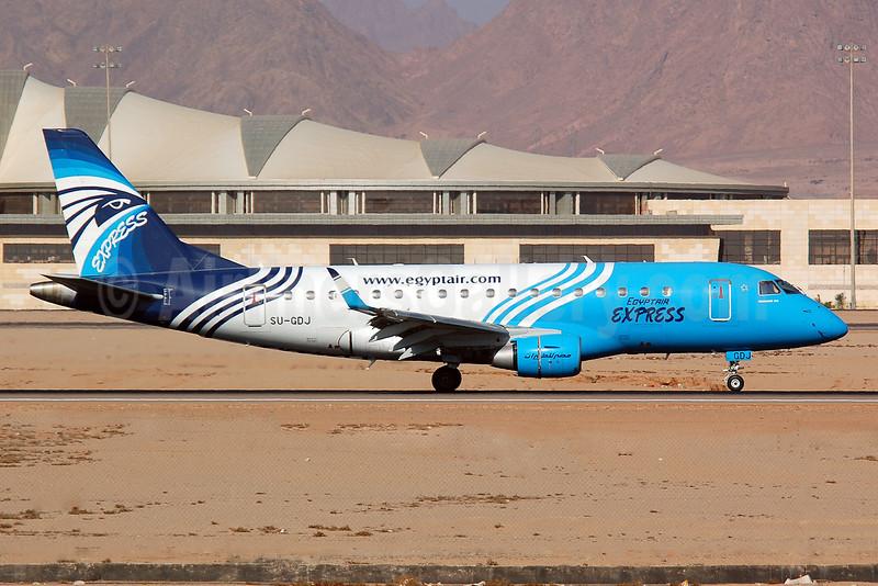 EgyptAir Express Embraer ERJ 170-100LR SU-GDJ (msn 17000282) SSH (Nik French). Image: 909891.