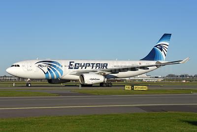 EgyptAir Airbus A330-243 SU-GCJ (msn 709) AMS (Ton Jochems). Image: 940516.