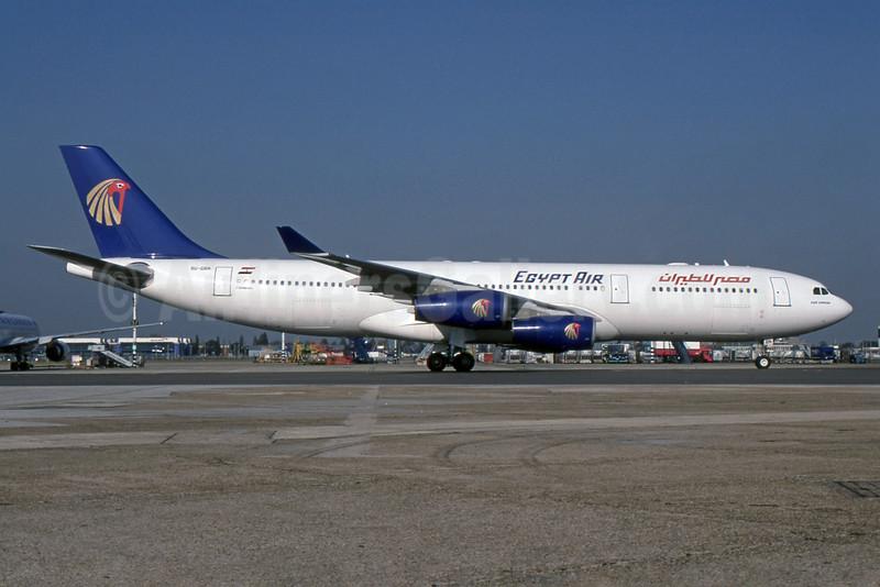 Egypt Air Airbus A340-212 SU-GBN (msn 159) LHR (SPA). Image: 936256.