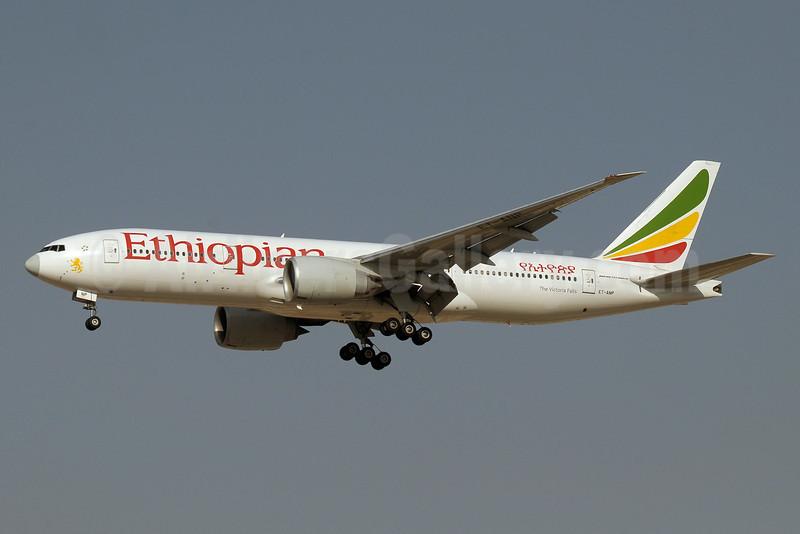Ethiopian Airlines Boeing 777-260 LR ET-ANP (msn 40772) DXB (Paul Denton). Image: 910940.