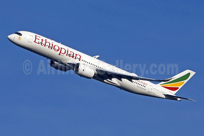 Ethiopian Airlines Airbus A350-941 ET-AVC (msn 196) LHR (SPA). Image: 951604.