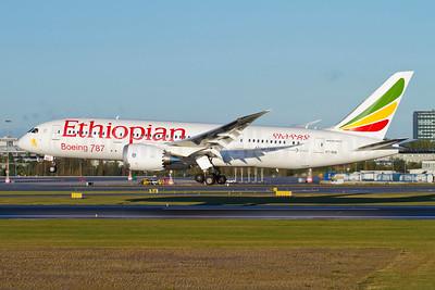 Ethiopian Airlines Boeing 787-8 Dreamliner ET-AOQ (msn 34745) ARN (Stefan Sjogren). Image: 909352.