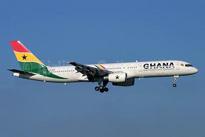 Ghana International Airlines (Ryan International Airlines) Boeing 757-225 N930RD (msn 22210) LGW (Antony J. Best). Image: 904989.