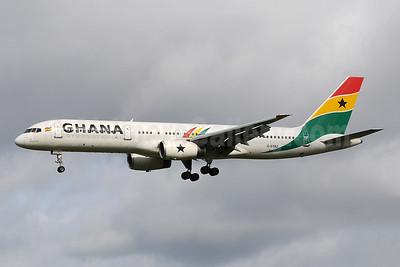 Ghana International Airlines (Astraeus Airlines) Boeing 757-258 G-STRZ (msn 27622) MAN (Rob Skinkis). Image: 903545.