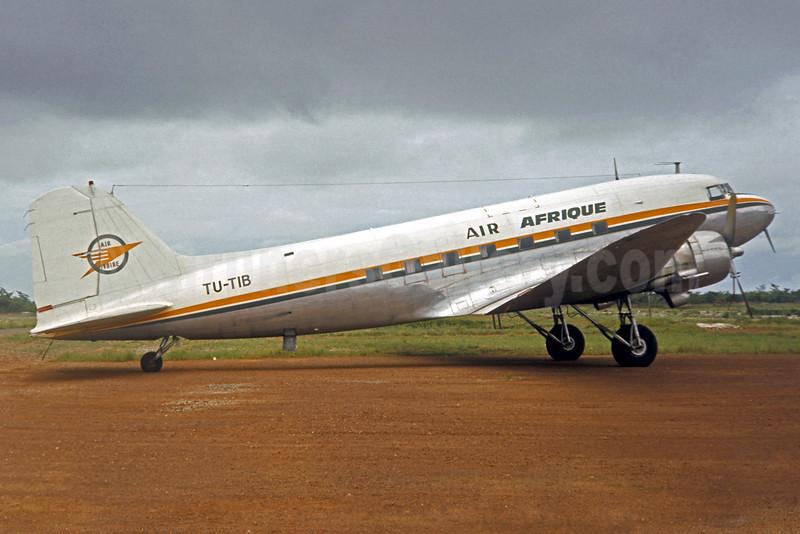 Air Afrique-Air Ivoire Douglas DC-3D TU-TIB (msn 42959) (Air Ivoire colors) ABJ (Jacques Guillem Collection). Image: 921646.