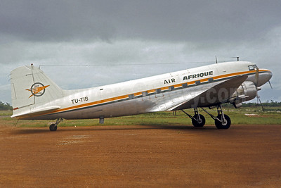 Air Afrique-Air Ivoire Douglas DC-3D TU-TIB (msn 42959) (Air Ivoire colors) ABJ (Jacques Guillem Collection). Image: 921646.