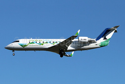 Maluti Sky Bombardier CRJ200 (CL-600-2B19) ZS-NMJ (msn 7161) JNB (Jonathan Druion). Image: 945974.